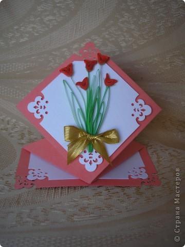 На эти открытки меня вдохновила вот эта работа http://stranamasterov.ru/node/52400?c=favorite . Спасибо автору за схемку. Восьмёрка с пушистиками. Основа - бумага для акварели, треугольники и квадрат за восьмёркой - обои виниловые, оранжевая окантовка - офисная бумага + фигурный дырокол для края, восьмёрка - бархатная бумага.  Жёлтые пушистики - то ли гигантские мимозы, то ли не очень крупные одуванчики. фото 3