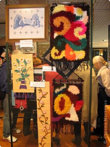 6 марта открылась выставка в здании Муниципалитета г.Нацрат-Иллит. Представленны результаты творчества моих подопечных, которые посещают клуб. Средний возраст-80 лет! Приятного просмотра. Работы Мани Ройс, вышивка(90 лет). фото 6