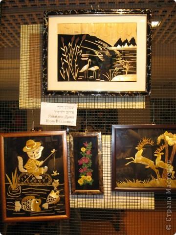 6 марта открылась выставка в здании Муниципалитета г.Нацрат-Иллит. Представленны результаты творчества моих подопечных, которые посещают клуб. Средний возраст-80 лет! Приятного просмотра. Работы Мани Ройс, вышивка(90 лет). фото 8