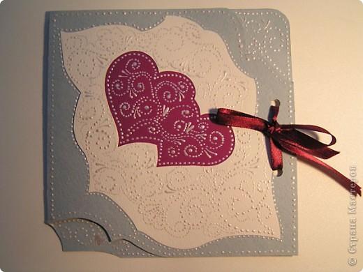 """Часто делаю открыточки с завязками. Как правило, это валентинки, свадебные. Завязки, на мой взгляд, добавляют таинственности, поздравление становится сугубо личным. На этом фото валентинка """"Я тебя люблю"""". фото 5"""