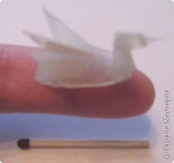 Лебедёночка сложила из кальки. Захотела, чтобы он был жёсткий и устойчиво стоял. Покрыла его эпоксидной смолой... Теперь он как каменный.  фото 3