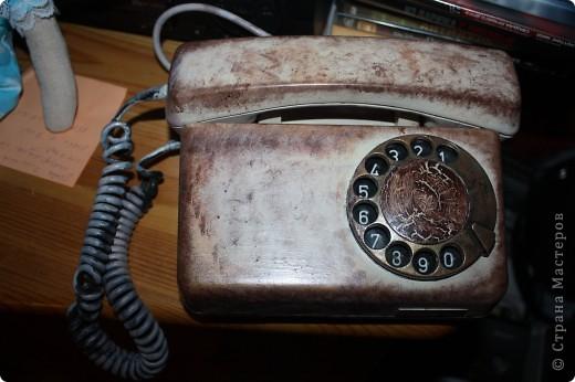 был старый красный совковый телефон,стал кофейно золотистый с эффетом кракле на диске. фото 1