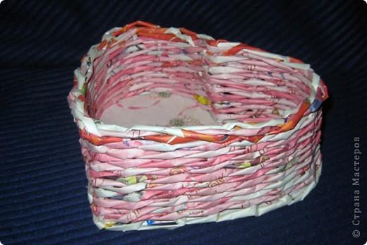 Конфетница получилась, хотела шкатулочку, не хватило розовых трубочек на крышку. фото 2