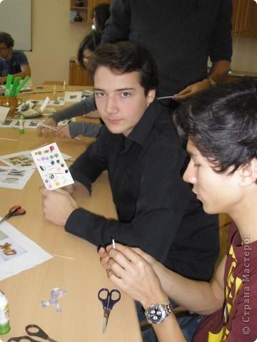 В нашей школе по программе обмена учениками гостили школьники из Франции. Жили в семьях. Ходили на уроки.  фото 8