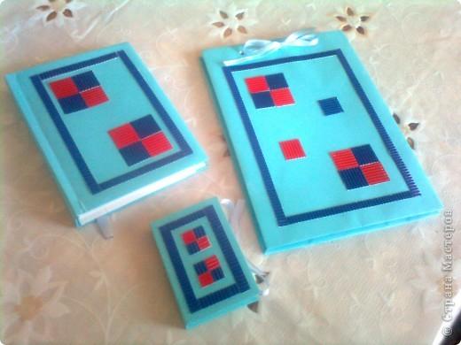 Вот они, мои блокнотики! точнее уже не мои, а моей мамы. БОльшой - для рисования, средний - как обычный ежедневник для записей, малютка - блок стикеров фото 1