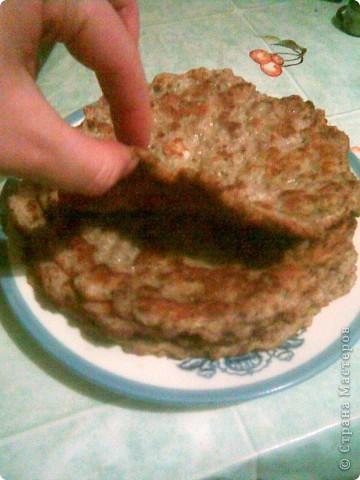 Торт из  сердца с грибами.  Для блинов: Куриное сердце - 0,5кг Яйца -2-3 шт Молоко - 0,5 стакана Мука 0,5 стакана Сода пищевая на кончике ножа Соль, перец фото 3