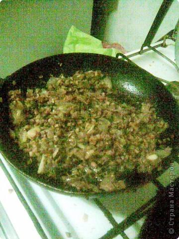 Торт из  сердца с грибами.  Для блинов: Куриное сердце - 0,5кг Яйца -2-3 шт Молоко - 0,5 стакана Мука 0,5 стакана Сода пищевая на кончике ножа Соль, перец фото 4