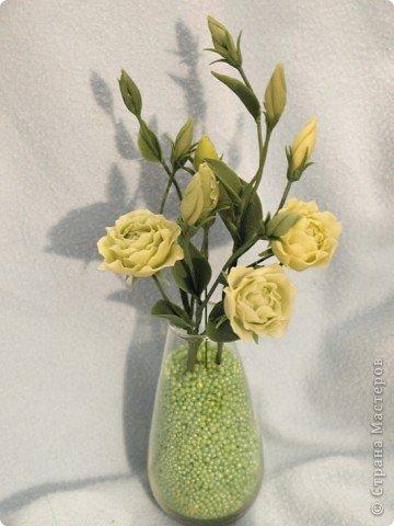 Вдохновившись работами Светланы, я начала работу над эустомами) Честно говоря мне очень нравится этот цветок. А вот то, что получилось) фото 1