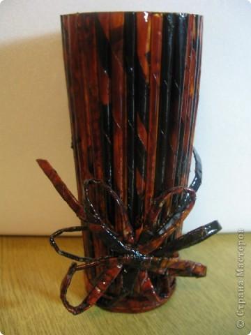 """Идею кусудамы и технику я под смотрела в   http://yourorigami.info/2008/03/03/kusudama-na-osnove-lilii.html . Мне больше нравятся кусудамки, """"посаженные"""" в горшочек или вазочку. Хочу поделиться с Вами таким букетиком. фото 4"""