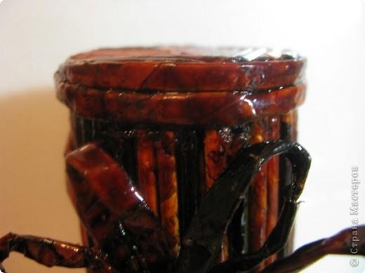 """Идею кусудамы и технику я под смотрела в   http://yourorigami.info/2008/03/03/kusudama-na-osnove-lilii.html . Мне больше нравятся кусудамки, """"посаженные"""" в горшочек или вазочку. Хочу поделиться с Вами таким букетиком. фото 7"""