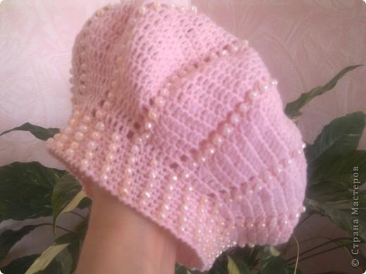 Очень нравится вязать всевозможные шляпки и шапочки для своей куклы.  фото 4