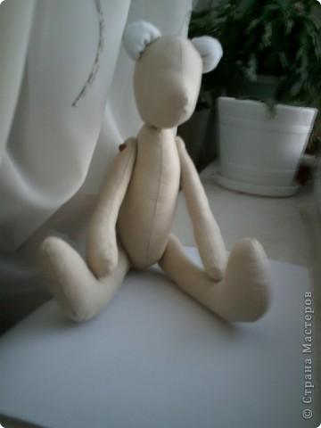 Мастер-класс по медвежонку Тильда тут: http://svetkinyrucodelki.blogspot.com/2011/03/blog-post.html  фото 7