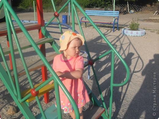 Очень нравится вязать всевозможные шляпки и шапочки для своей куклы.  фото 1