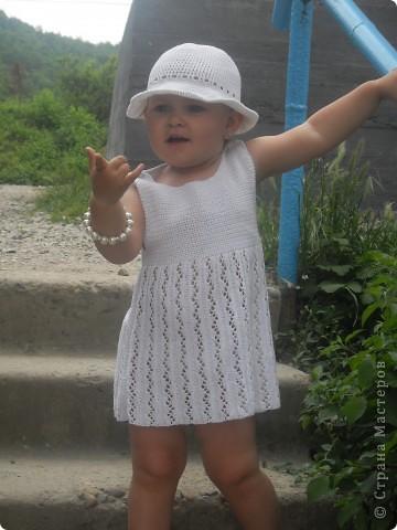 """Это платьице я вязала для своей внучки, а шляпку вязала по схеме, которую предлагала """"Голубка"""""""
