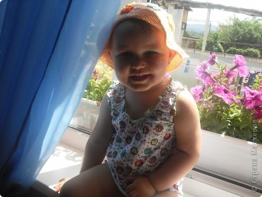 Очень нравится вязать всевозможные шляпки и шапочки для своей куклы.  фото 2