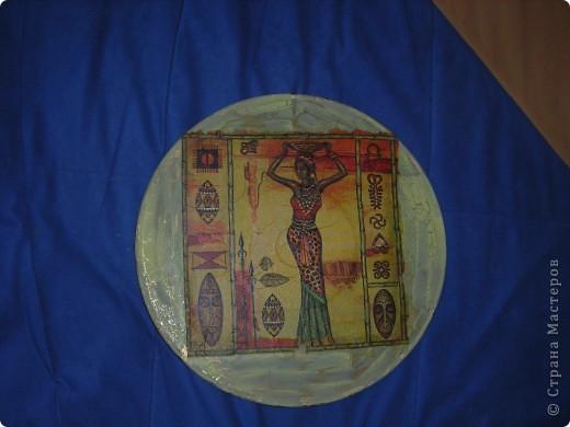 Часы из фанеры и декупажная карта, правда она потрескалась, когда я ее положила в воду, но это придало часам интересный вид! фото 9