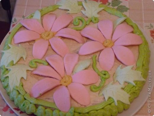 Вот такую красоту сотворила на 8 марта - мне на день рождения - моя невестка!! Не только красиво, но и очень вкусно!!! Гости оценили! Юлечка большая рукодельница! Кроме того, она ещё и молодая мамочка - Тимурке 1 год и 5 месяцев!!!