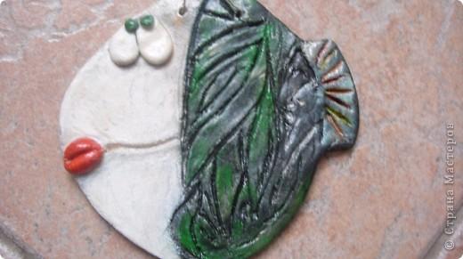 Что такое артобъект?  Название происходит от двух слов: арт — искусство, объект — предмет.Художественный предмет, рождённый не в мастерской, в моем случае на кухне, несущий определённую функцию, в моем случае -храню таким образом то , что насобирала на Красном море. В условной манере изображена сама природа моря. фото 7