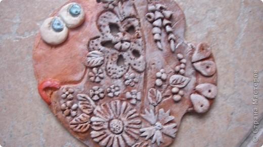 Что такое артобъект?  Название происходит от двух слов: арт — искусство, объект — предмет.Художественный предмет, рождённый не в мастерской, в моем случае на кухне, несущий определённую функцию, в моем случае -храню таким образом то , что насобирала на Красном море. В условной манере изображена сама природа моря. фото 11