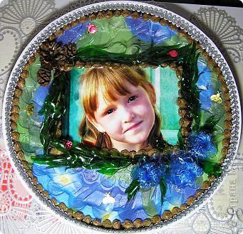 Так как использовала в качестве тарелочки поддон из под торта, были определенные проблемы.Так как поверхность не  гладкая. фото 1