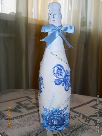 Вот такая вот бутылочка с росписью гжелью фото 1