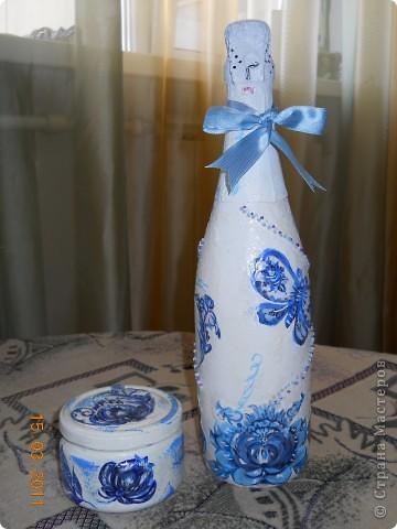 Вот такая вот бутылочка с росписью гжелью фото 2
