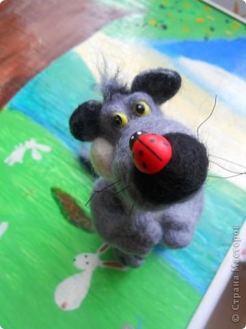 """Здравствуйте! Рада, что зашли ко мне в гости! Мне очень нраятся открытки Марины Федотовой. Они такие милые. Этого волчонка я сделала """"по мотивам"""" ее рисунков.  фото 10"""