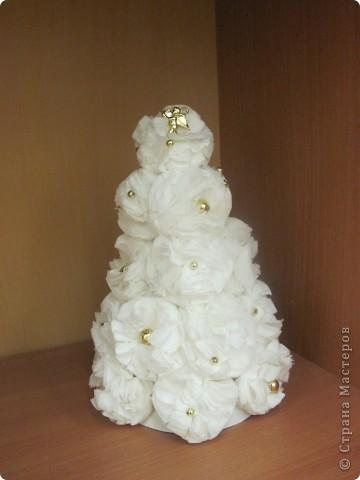 Сделать такую новогоднюю елку совсем не сложно. фото 10