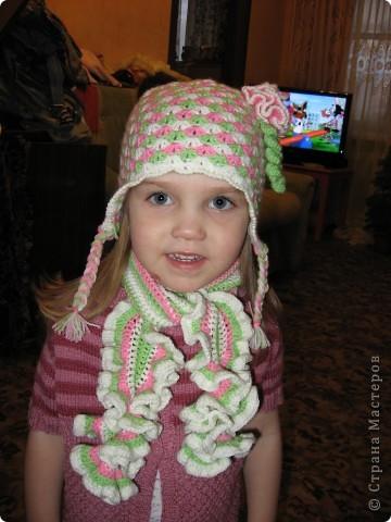 вот такая весенняя шапочка связалась для младшей доченьки :) фото 1