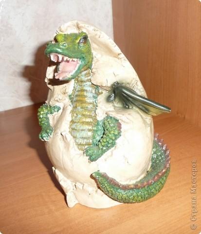Копилка.Вылупляющийся дракон. фото 1