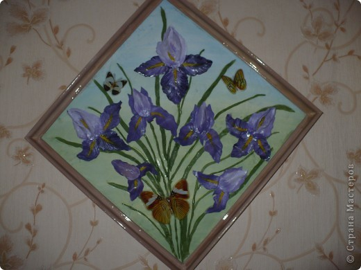 На фото ирисы получились синие, а на самом деле нежно-сиреневые. Картина 45х45 см. фото 1