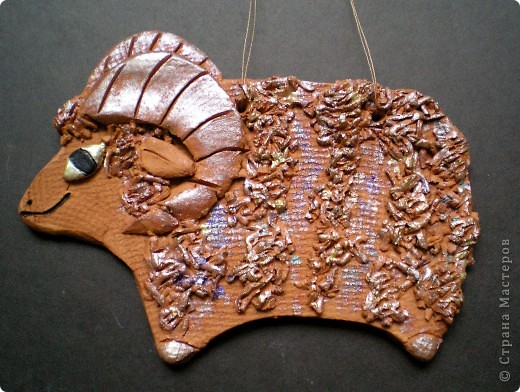 Слепила очередные подвесочки из натуральной коричневой и серой глины: фото 3