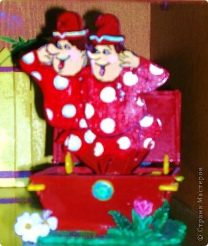 """Разбойники пили вино, атаманша гадала на картах..(композиция героев из м/ф """"Бременские музыканты - фанера, роспись красками, лак, плоскостное выпиливание, сборные детали) фото 3"""