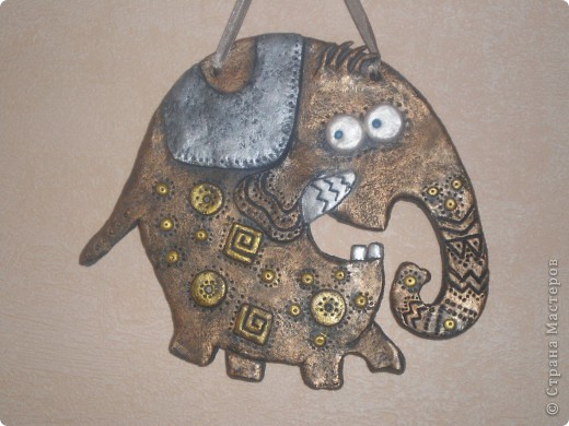 Хочу поблагодарить Инну под логином  Inna-mina  за возможность познакомиться с этим замечательным слоном. Для меня это была любовь с первого взгляда и я не устояла, чтобы не повторить. http://stranamasterov.ru/node/88124  фото 1