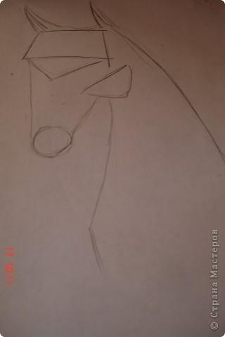Рисуем лошадь.На листе бумаги примерно посередине нарисовать трапецию,треугольник, полукруг и круг. фото 3