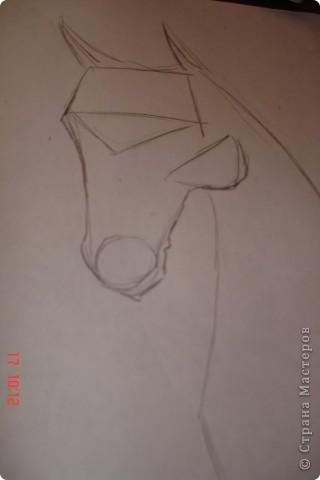 Рисуем лошадь.На листе бумаги примерно посередине нарисовать трапецию,треугольник, полукруг и круг. фото 4