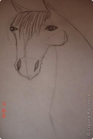 Рисуем лошадь.На листе бумаги примерно посередине нарисовать трапецию,треугольник, полукруг и круг. фото 10