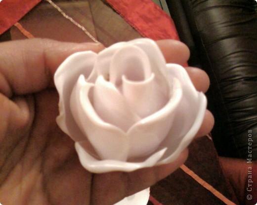 Делаем розы из пластмасовых ложек (МК) фото 7