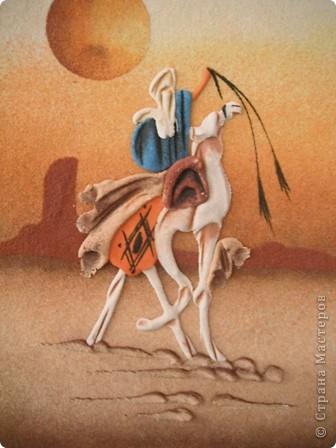 """Сувенирчики сделаны в традиционном алжирском стиле,Глиняная основа посыпанная песком из Сахары и с камнем который здесь называют """"Розы песчаные"""" и деревце -пальма фото 3"""