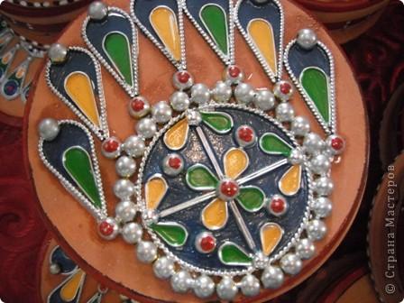 """Сувенирчики сделаны в традиционном алжирском стиле,Глиняная основа посыпанная песком из Сахары и с камнем который здесь называют """"Розы песчаные"""" и деревце -пальма фото 7"""