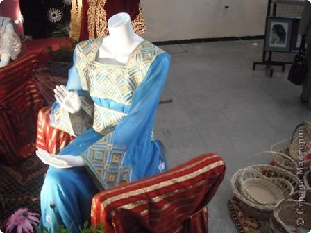 """Сувенирчики сделаны в традиционном алжирском стиле,Глиняная основа посыпанная песком из Сахары и с камнем который здесь называют """"Розы песчаные"""" и деревце -пальма фото 11"""