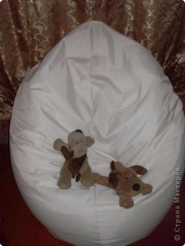 Сразу говорю: само кресло я не шила! Не смогла найти наполнитель. Купила вот такое невесть что дочери на день рождения.  фото 2
