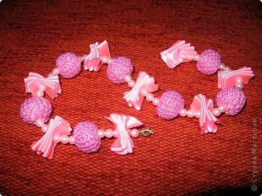Вязанное ожерелье для доченьки.Крупный план.Вязанная бусинка. фото 3