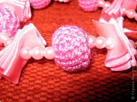 Вязанное ожерелье для доченьки.Крупный план.Вязанная бусинка. фото 1