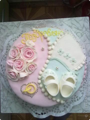 Этот тортик был сделан в подарок. Он двойной т.к. повода было два...годовщина свадьбы и рождение первого малыша. фото 1