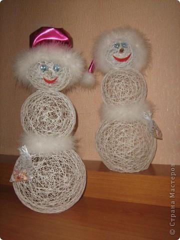 Веселые снеговики..