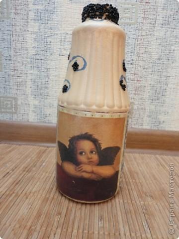 Это моя вазочка! Я нарисовала узорчик тонкой кисточкой и приклеила на него биссер. Надеюсь вам понравится!:)) фото 1