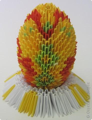 Хочу показать пасхальные яйца в технике модульного китайского оригами. Эти яйца сделал Саша Павлов. фото 3