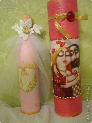 бутылочка на рубиновую свадьбу, на тубусе как бы кольцо с рубином фото 1