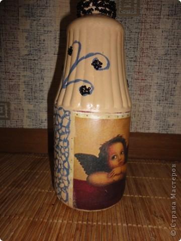 Это моя вазочка! Я нарисовала узорчик тонкой кисточкой и приклеила на него биссер. Надеюсь вам понравится!:)) фото 2